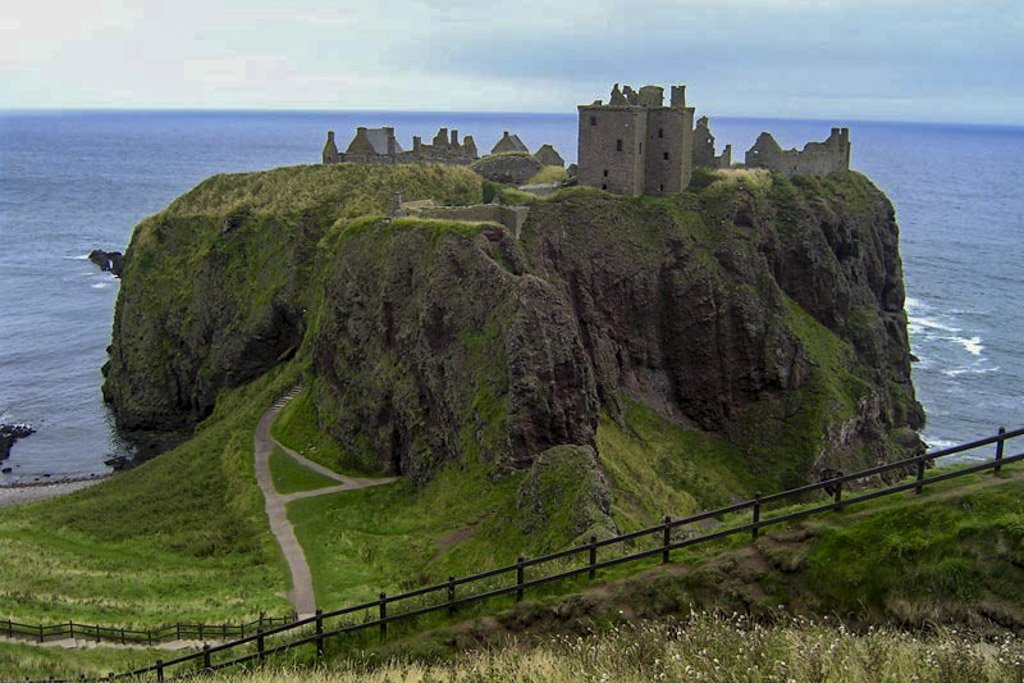 Scozia medievale: castelli, natura e misteri