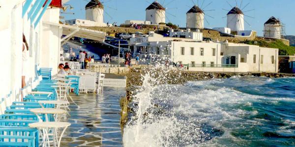 Smetti di sognare e trasforma in realtà il tuo viaggio a Mykonos e Santorini